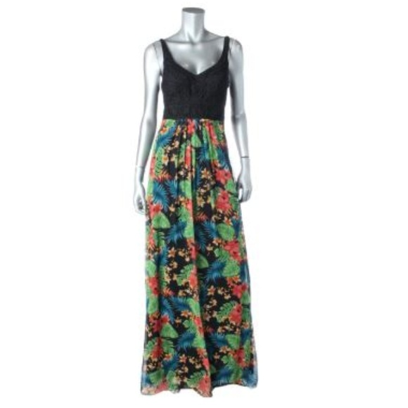 a9cec59661 NWT Embroidered Tropical Print Gown Sz 4 6. NWT. Sue Wong